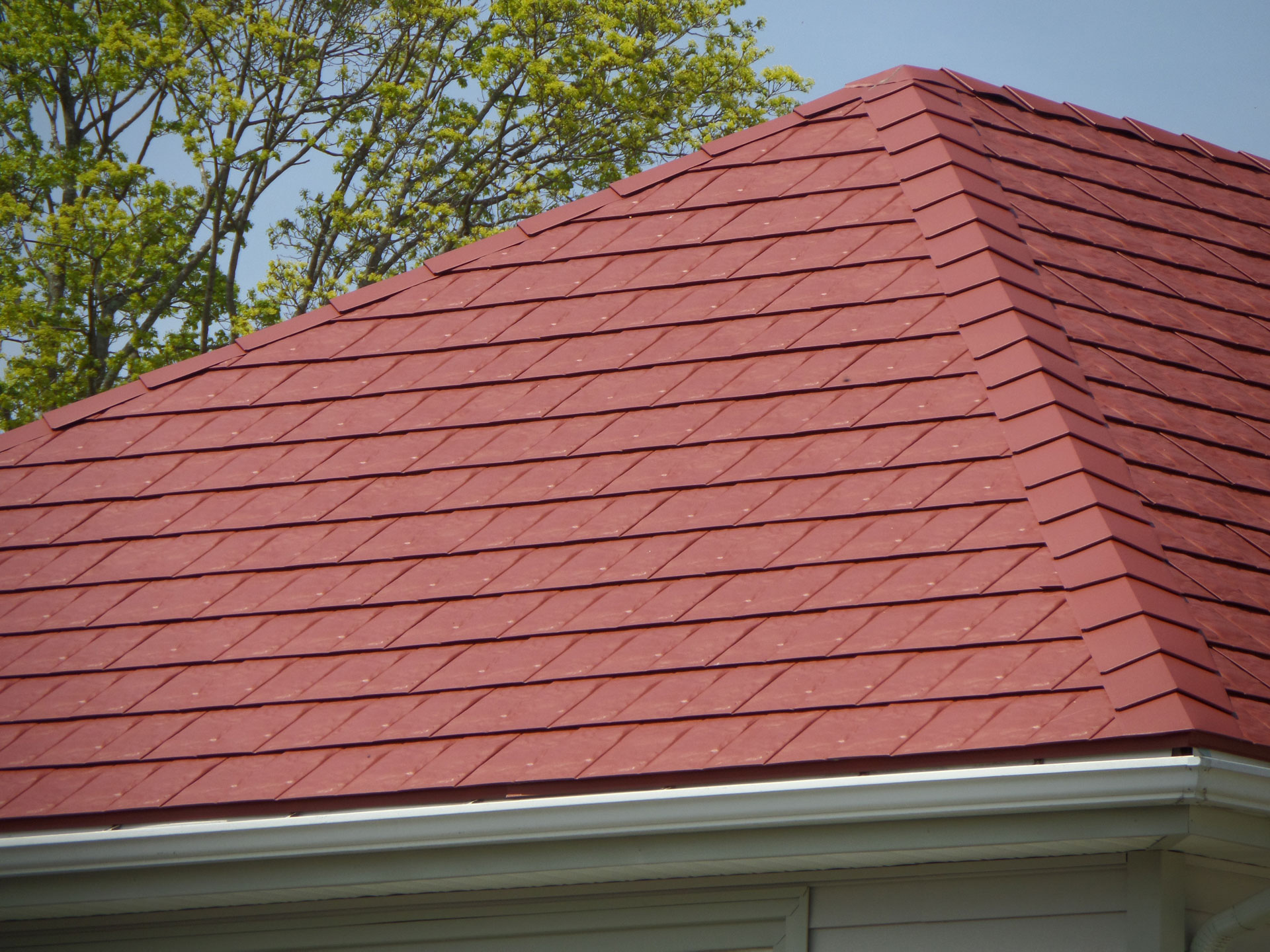 new-metal-shingles-roof